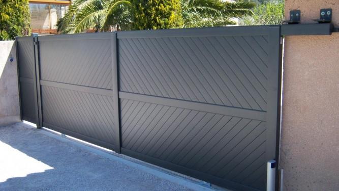 portail de clôture